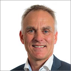 Aurora Clinics: Photo of Consultant Plastic Surgeon Mr Adrian Richards